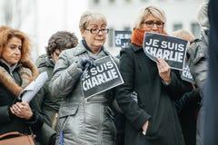 Strasbourg tient le vigile silencieux pour ceux tués dans l'attaque de Paris Photos libres de droits