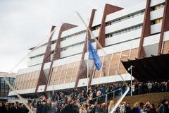 Strasbourg tient le vigile silencieux pour ceux tués dans l'attaque de Paris Image libre de droits