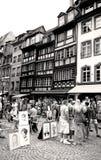 Strasburgo del centro con la gente ed i pittori Immagini Stock Libere da Diritti