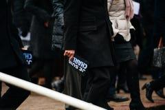 Strasburgo tiene la veglia silenziosa per quelle uccise nell'attacco di Parigi Fotografia Stock Libera da Diritti