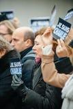Strasburgo tiene la veglia silenziosa per quelle uccise nell'attacco di Parigi Immagine Stock