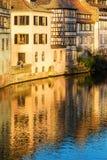 Strasburski kanałowy mały France teren i cembrujący dom Zdjęcie Stock