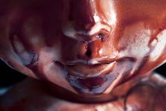 Straszna krwista lala na ciemnym tle obrazy royalty free