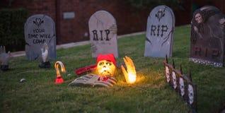Straszny Halloweenowy cmentarz R.I.P. Zdjęcia Stock