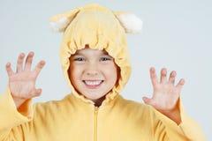 Straszny mała dziewczynka niedźwiedź Zdjęcia Royalty Free