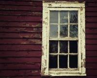 Straszny okno na Starym Drewnianym domu Zdjęcie Royalty Free