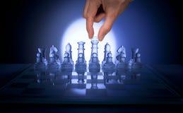 Strategia aziendale della mano di scacchi Fotografia Stock Libera da Diritti