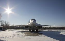 Strategisk bombplanTupolev Tu-160 på flygmuseum Arkivfoto