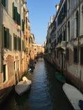 Straten en stegen in Venetië stock fotografie