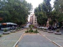 Straten en vierkanten van Rome Heel wat vegetatie, ontwikkeld stadsvervoer royalty-vrije stock foto