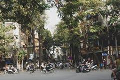 Straten van de oude stad van Hanoi stock afbeelding