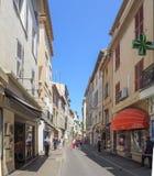 Straten van de stad van Antibes Stock Foto's