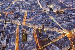 Straten van de stad van Parijs bij nacht Royalty-vrije Stock Foto's
