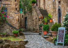 Straten van Italiaanse stad Civita Di Bagnoregio Royalty-vrije Stock Foto