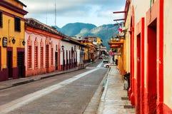 Straten van koloniaal San Cristobal DE las Casas, Mexico Royalty-vrije Stock Afbeelding