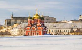 Straten van Moskou in de winter Varvarka Royalty-vrije Stock Fotografie