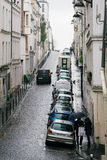Straten van Parijs in de Regen stock afbeeldingen