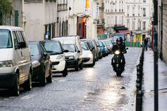 Straten van Parijs in de Regen Stock Afbeelding