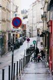 Straten van Parijs in de Regen Stock Foto's
