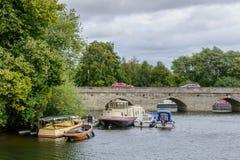 Stratford Upon Avon, Vereinigtes Königreich - 12. Juli, Brücke über dem A Lizenzfreie Stockbilder