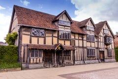 Stratford sopra Avon, Regno Unito Alloggi un luogo di nascita dove il commediografo ed il poeta William Shakespeare nascevano Immagine Stock Libera da Diritti
