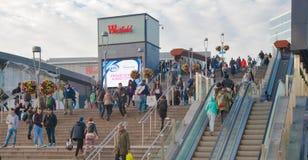 Stratford zawody międzynarodowi pociąg i stacja metru, jeden duży przewieziony złącze Londyński i UK Obrazy Stock