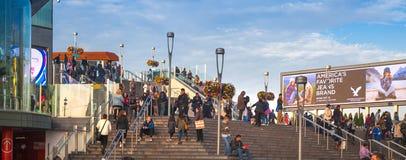 Stratford zawody międzynarodowi pociąg, tubka i przystanek autobusowy, jeden duży przewieziony złącze Londyński i UK Obrazy Stock