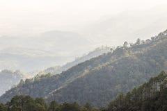 Strati del paesaggio della montagna Immagini Stock Libere da Diritti