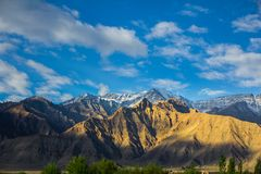 Strati della montagna nell'inverno Fotografie Stock Libere da Diritti