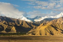 Strati della montagna nell'inverno Immagine Stock Libera da Diritti