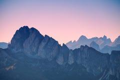 Strati delle dolomia della montagna Fotografia Stock