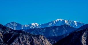 Strati delle montagne della natura Fotografia Stock