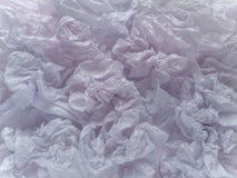 Strati viola rosati pallidi sgualciti della carta di imballaggio fotografia stock libera da diritti
