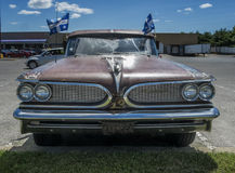 strato belangrijkst vooraanzicht van Pontiac van 1959 Stock Fotografie