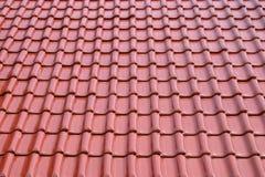 Strato delle mattonelle del metallo del tetto Fotografie Stock Libere da Diritti