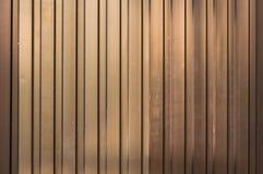Strato di alluminio marrone chiaro, struttura gialla dell'ondulazione della lamina di metallo di colore Fotografia Stock