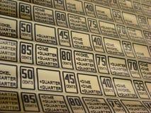 Strato di prezzi del distributore automatico, fotografie stock libere da diritti