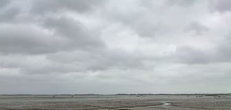 Stratocumulus, Langstone港口,英国 免版税图库摄影