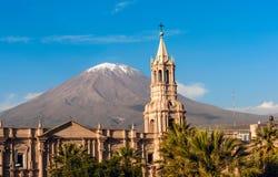 Stratovolcano埃尔米斯蒂火山,阿雷基帕,秘鲁 图库摄影