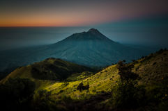 Stratovolcano dormant Mt Merbabu photo libre de droits