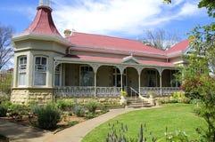 Straußpalast im Klein-Karoo, Südafrika Lizenzfreies Stockfoto