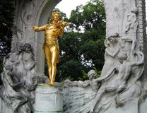 Strauss Statue in Wien   Stockbilder