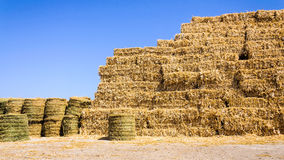 Straw bale stack farm Royalty Free Stock Photos