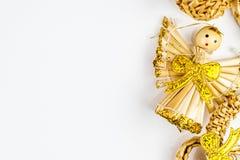 Straw Christmas symboler på vit bakgrund Fotografering för Bildbyråer