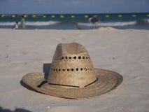 Straw Hat à la plage Images libres de droits
