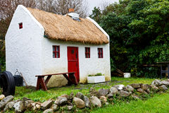 Straw roofed cottage Royalty Free Stock Images