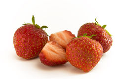 Strawbeeries et moitiés Images libres de droits