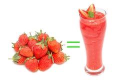 Strawbeery i truskawkowy smoothie Fotografia Royalty Free