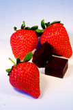 Strawberries with chocolate Royalty Free Stock Images