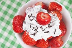 Strawberries with cream Stock Photography
